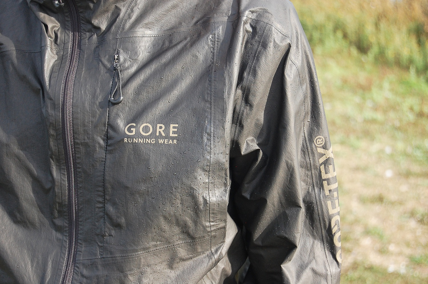 Staff Review Gore Tex One Run Jacket Wiggle Blog