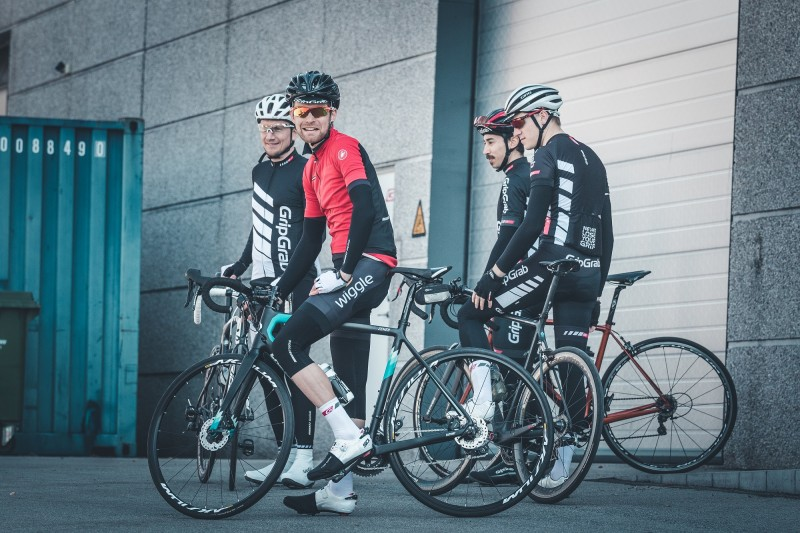Foul Weather Cycling Jersey Group Test - Team Wiggle 2017  9f7196d5f