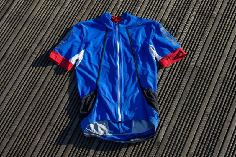 Foul Weather Cycling Jersey Group Test - Team Wiggle 2017  d94dc6ede