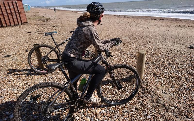 Living with Gore Bike Wear - Power Trail Lady Apparel SS16 - Part 1 ... ea5557ec3cc