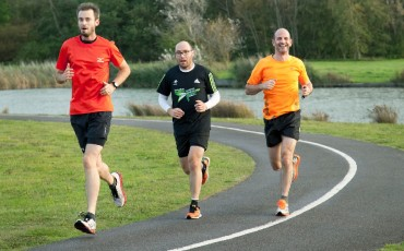 Wiggle staff running together