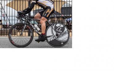 image of Richard Pearman cycling in Team Wiggle kit