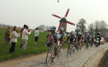 Fabian Cancellara and other cyclists during the 2009 Paris - Roubaix race