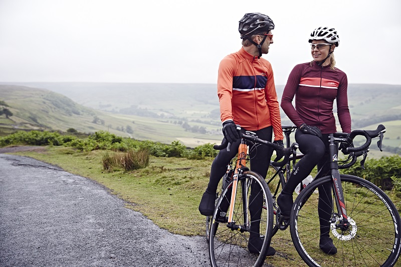 Wiggle cycle insurance - image of two road cyclists